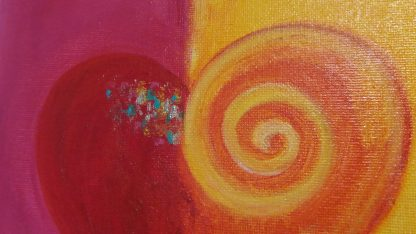 Herzbild pink orange abstrakt mit Acrylfarbe und Seidenmatt Lack