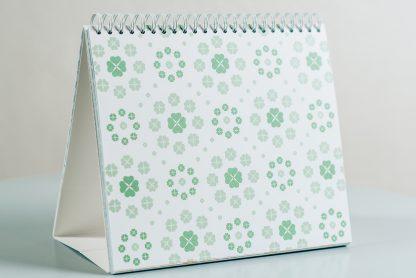 Nur für mich Kalender ISBN 9783000602412 Immerwährender Tischkalender schenkt dir jeden Monat einen kraftgebenden Gedanken, eine immerwährende Monatsübersicht und bietet dir auch noch Platz für deine Gedanken.